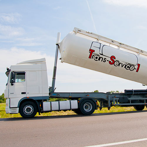 Transportation by silo tank trailers